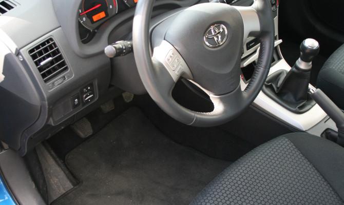 BM Toyota Corolla XRS - int 1