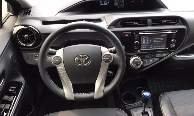 AS 2015 Toyota Prius c-05