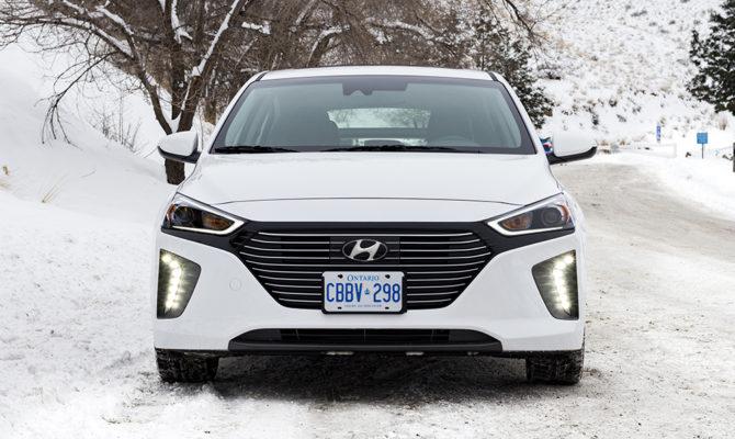 Hyundai_Ioniq-12